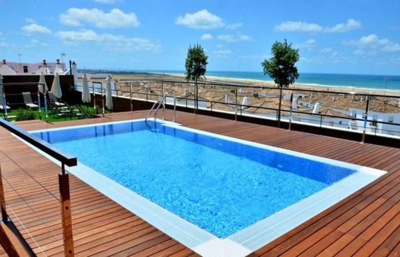 Conilsol Hotel y Aptos - Pool - 13