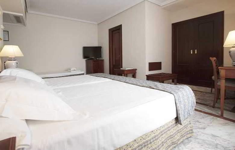Fernando III - Room - 42