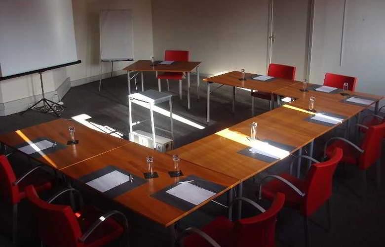 Quality Le Cervolan - Conference - 1
