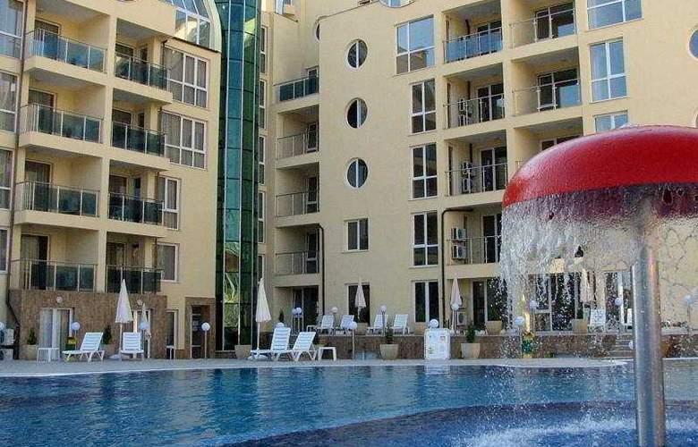Viva Apartments - Pool - 7