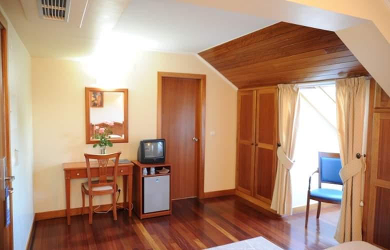 Hotel AJ - Room - 1
