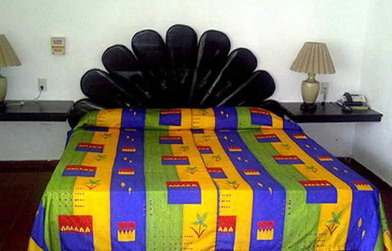 Suites Plaza del Rio - Room - 5