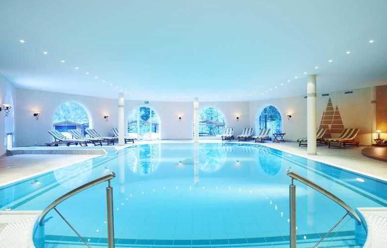 Waldhotel Doldenhorn - Pool - 3