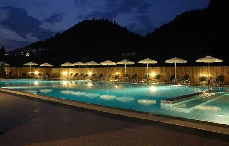 Marina Apartments & Studios - Pool - 14