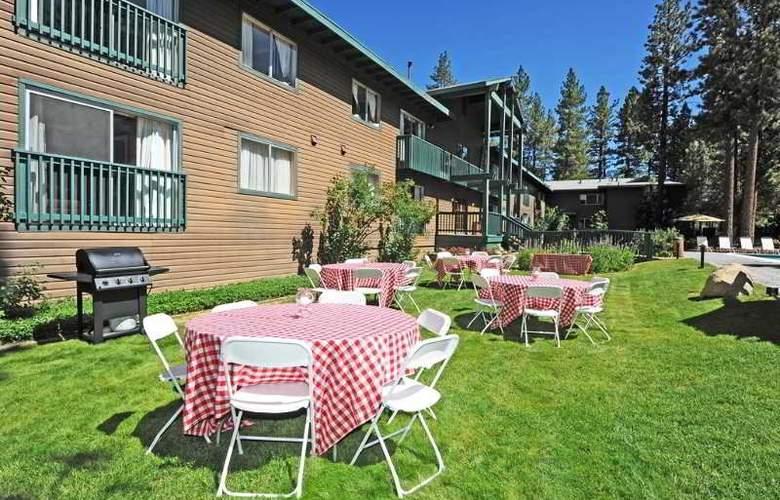 Forest Suites Resort - Terrace - 13