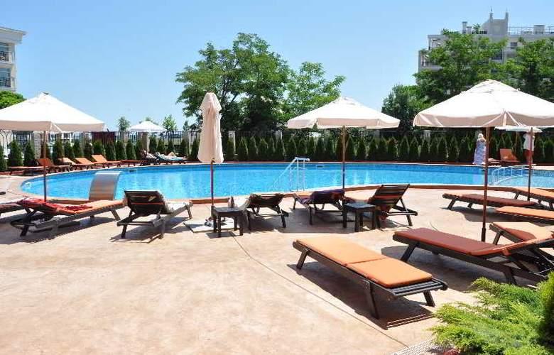 Festa Via Pontika - Pool - 25