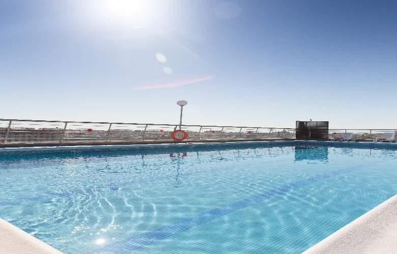 Expo Valencia - Pool - 37