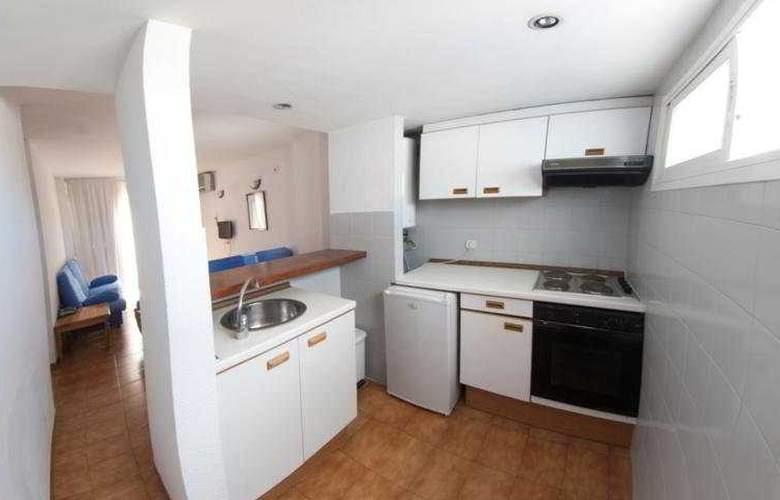 El Divino Apartamentos - Room - 1