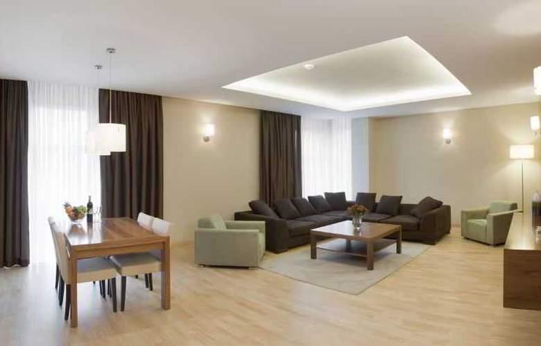 Hotel Platinum - Room - 5
