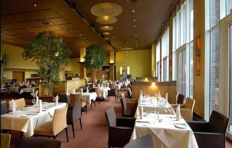 Radisson Blu Senator Hotel - Restaurant - 5