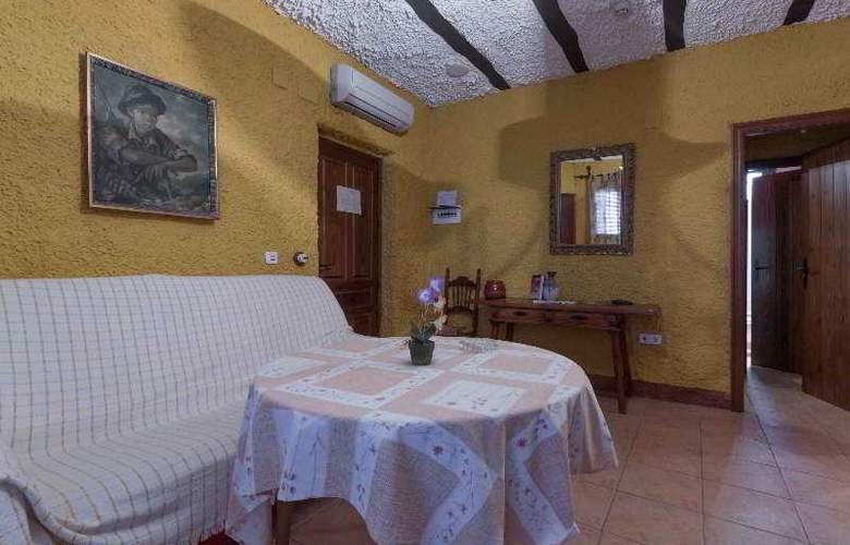 Palacio Guzmanes Hospederia Rural - Room - 27