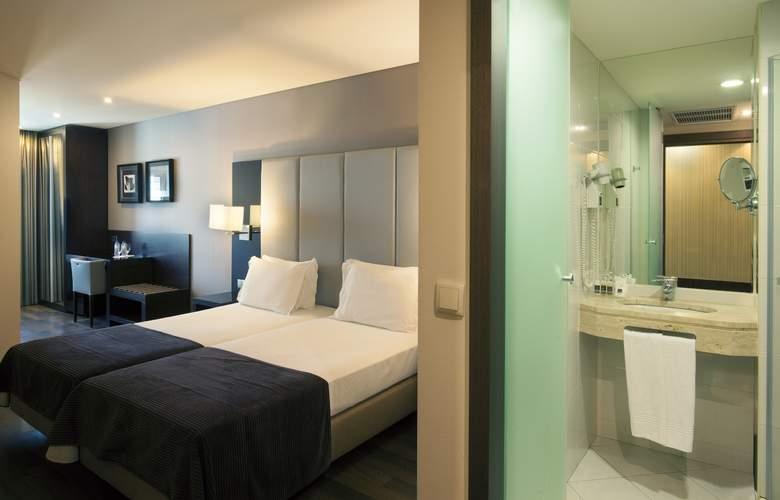 Turim Luxe - Room - 11
