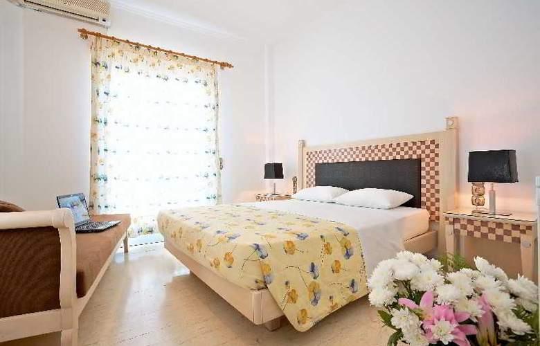 Black Sand Hotel - Room - 11