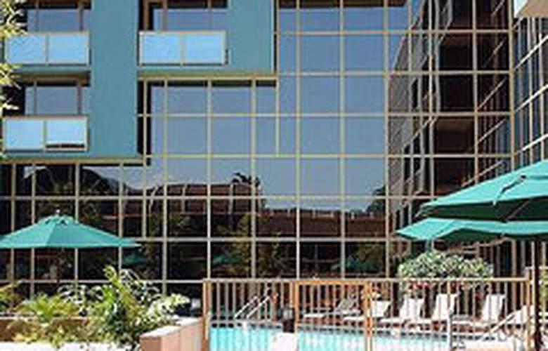 Holiday Inn & Suites Sawgrass Mills - General - 0