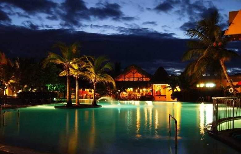 Casa Marina Beach & Reef - Pool - 1