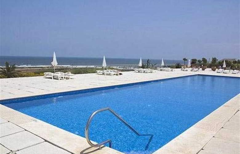 Hotel des Arts - Pool - 4