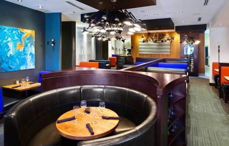 Sandman Signature Hotel & Suites Langley - Restaurant - 3