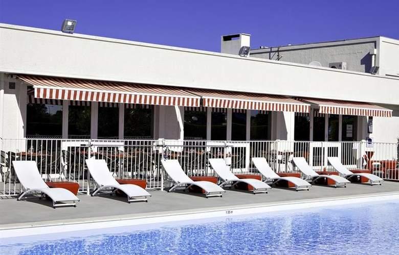 Best Western Bordeaux Aeroport - Pool - 65