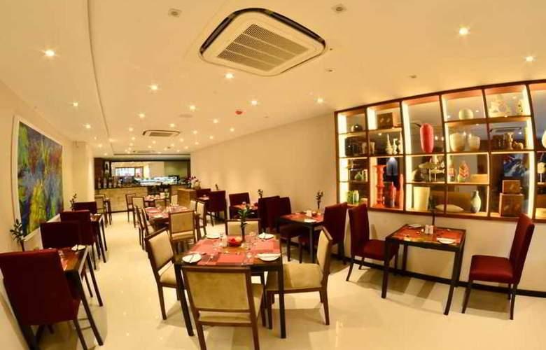 The Somerset Hotel - Restaurant - 2