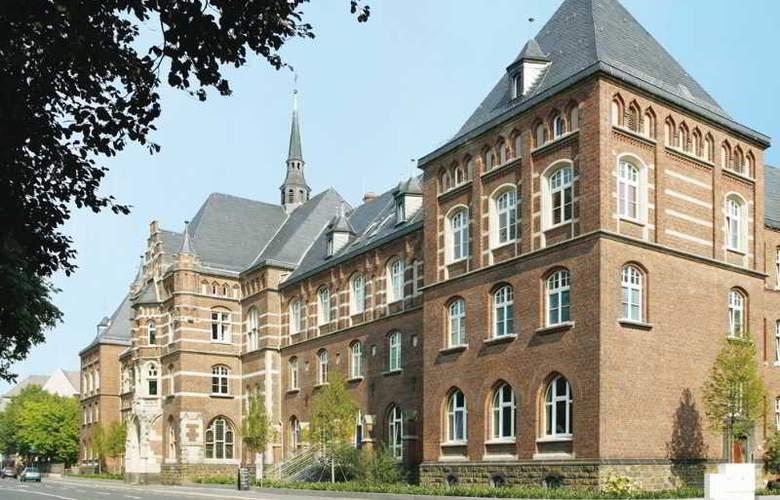 Collegium Leoninum - Hotel - 0