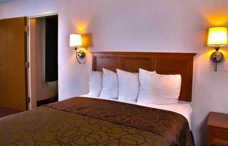 Best Western Town & Country Inn - Hotel - 43