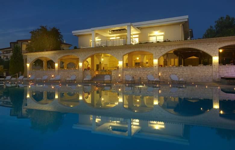 Portes Beach - Pool - 7