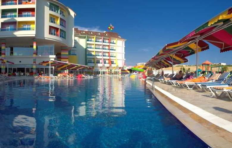 Ramada Resort Side - Pool - 23