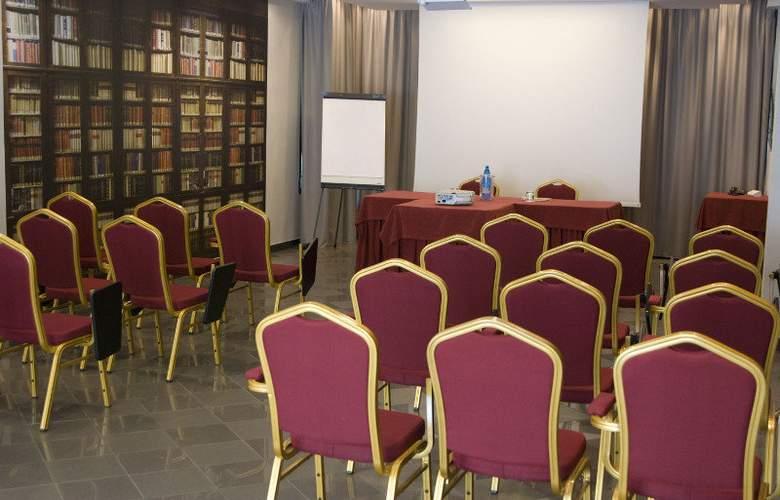 Amadeus - Conference - 1
