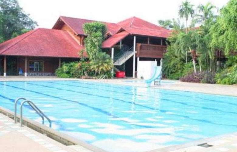 Muaklek Health Spa & Resort - Pool - 6