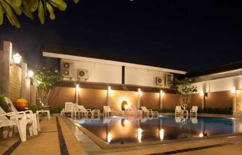 Suksabai Residence Pattaya - Pool - 53