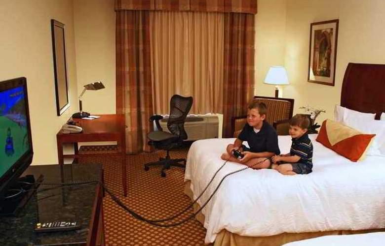 Hilton Garden Inn Tucson Airport - Hotel - 2