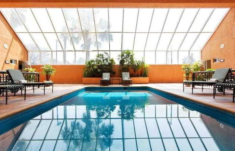 Holiday Inn Express Ciudad Victoria - Pool - 17