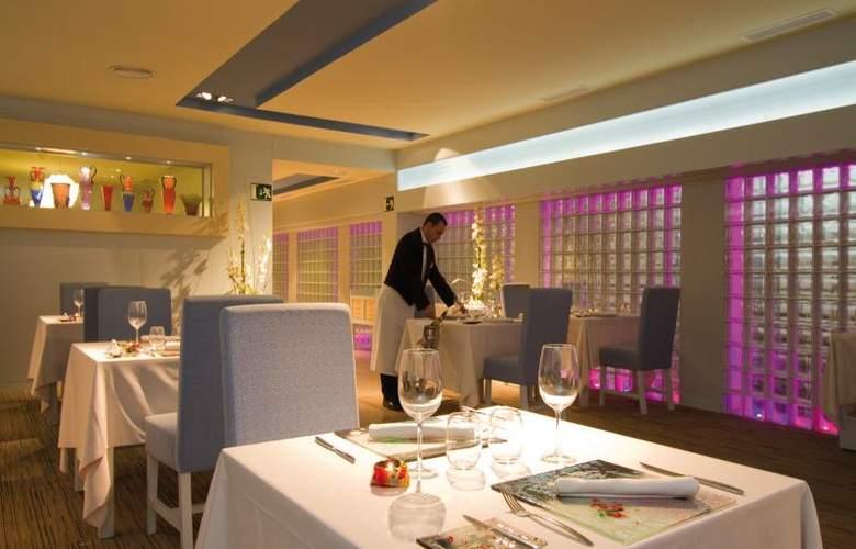 Hotel Riu Palace Oasis - Restaurant - 24