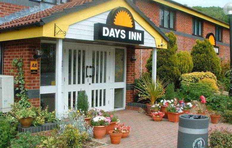 Days Inn Michaelwood - Hotel - 0