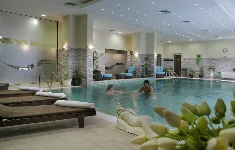 Premier Luxury Mountain Resort - Pool - 5