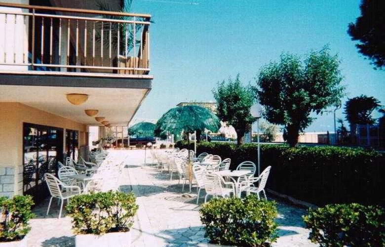 Alcazar - Terrace - 10
