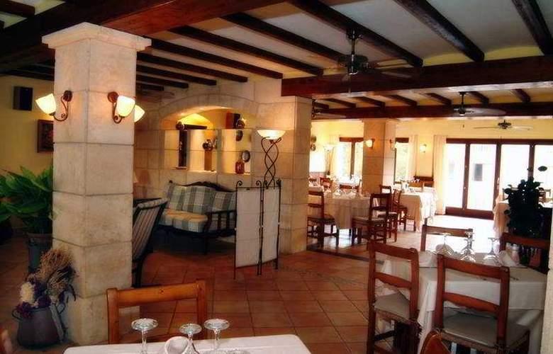 Pinos Playa Apts. - Restaurant - 1