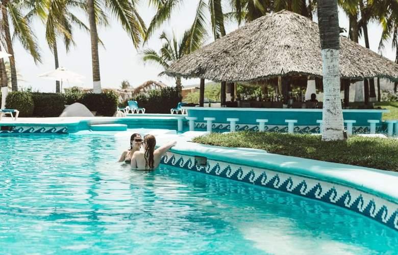 Suites Villasol - Pool - 5