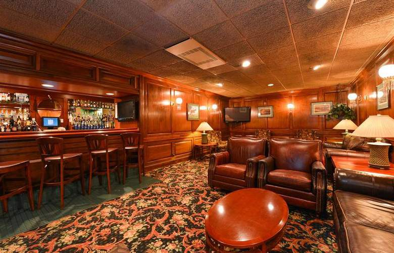Best Western Greenfield Inn - Bar - 78