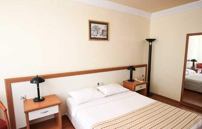 L´ Etoile Beach Hotel - Room - 14