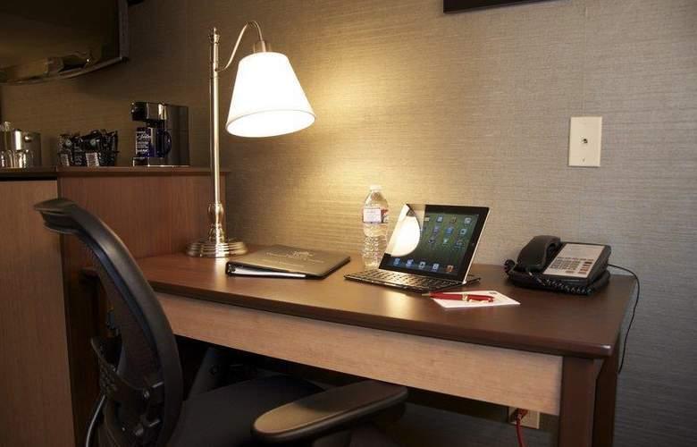 Best Western Plus Innsuites Phoenix Hotel & Suites - Room - 56