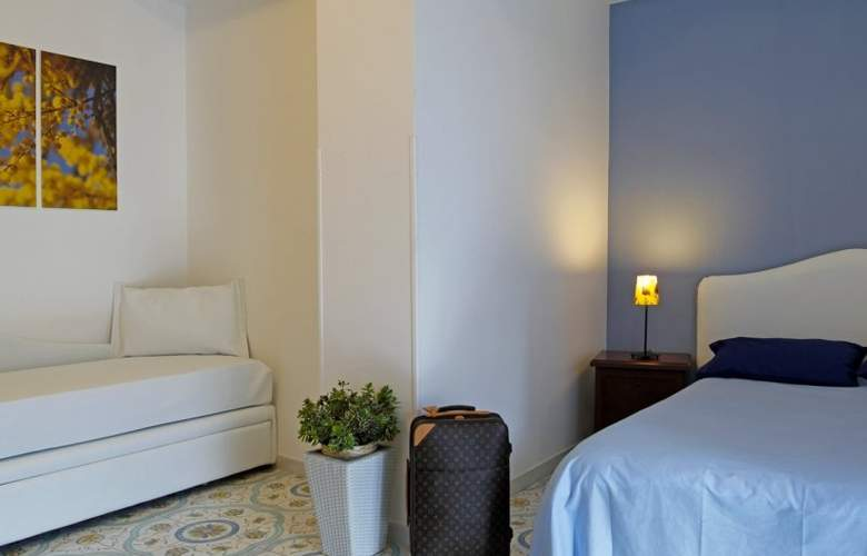 Sorrento Town Suites - Room - 7