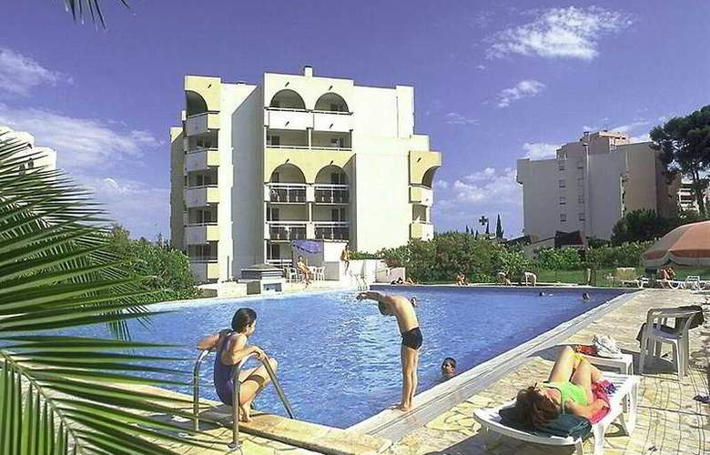 Citadines Montpellier Sainte Odile - Pool - 7