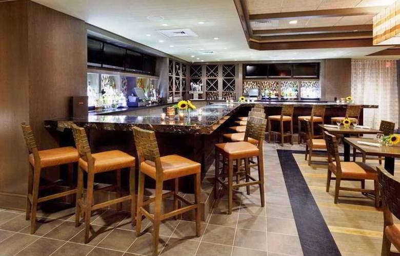Indigo East End - Bar - 10