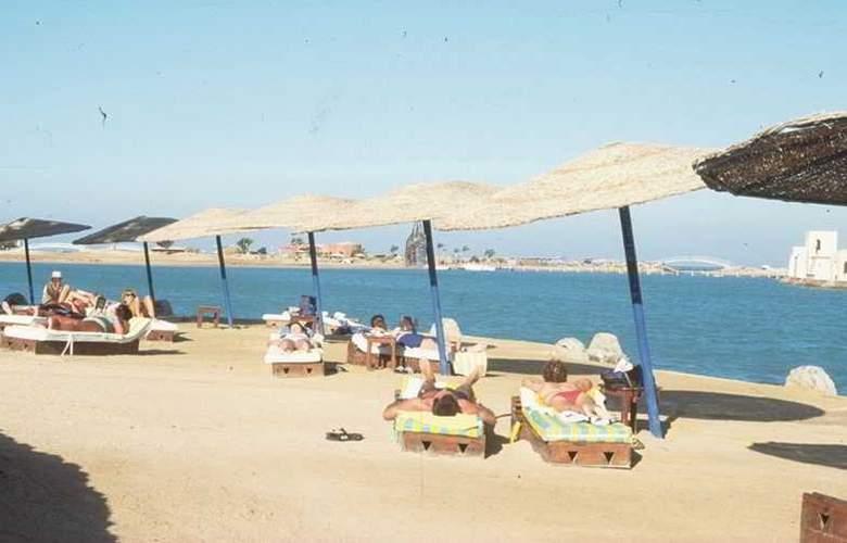 Dawar El Omda Hotel - Beach - 7