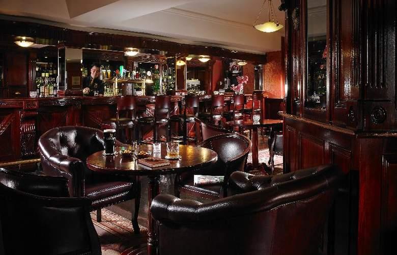 Buswells Dublin - Bar - 12