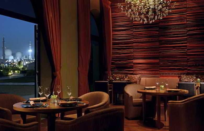 The Ritz Carlton Abu Dhabi, Grand Canal - Restaurant - 15