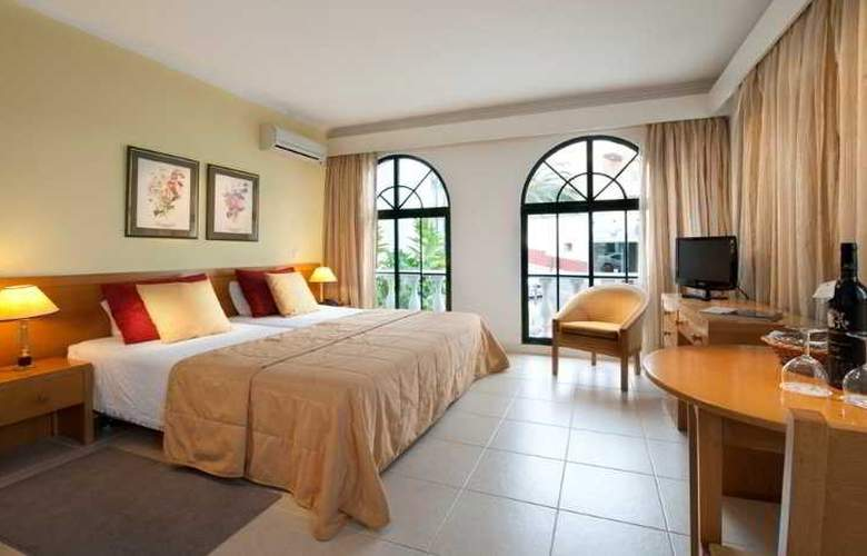 Royal Orchid - Room - 2
