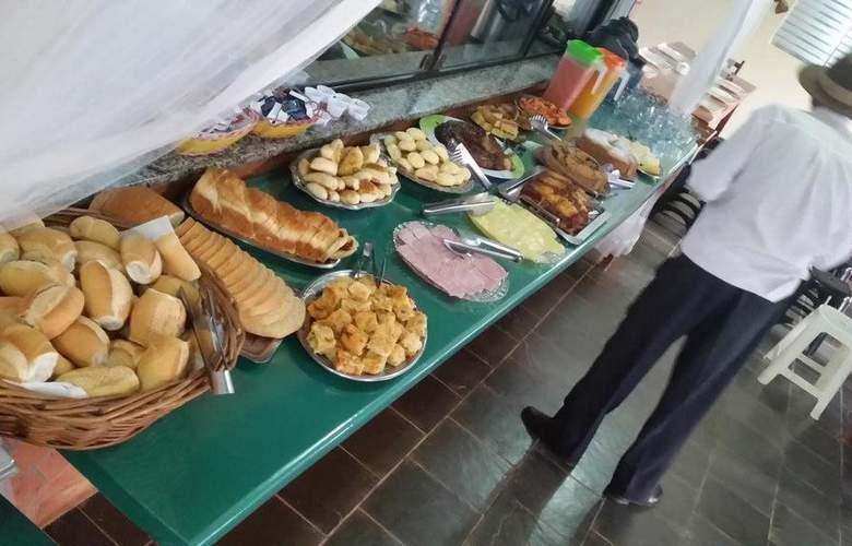 Refugio - Meals - 3