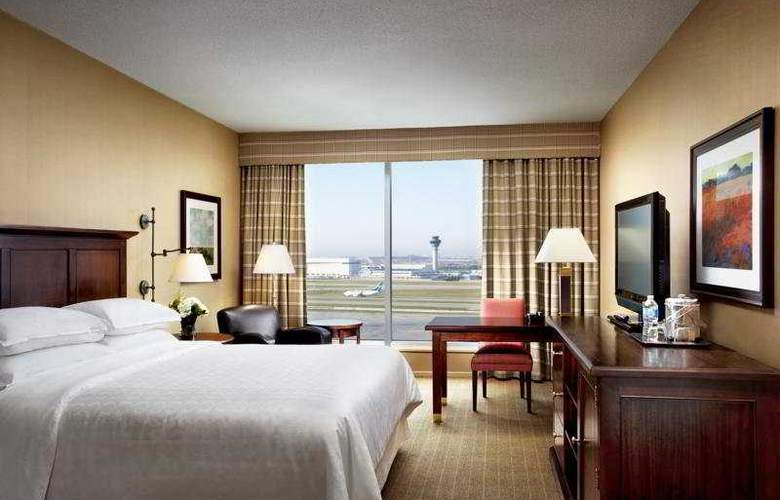 Sheraton Gateway Hotel in Toronto Int'l Airport - Room - 1